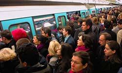 paris-metro-busy