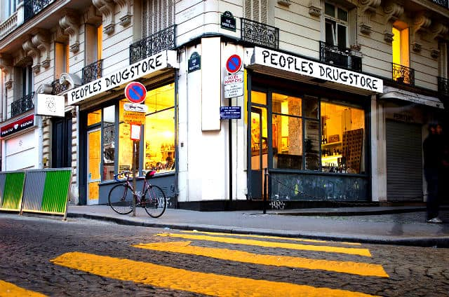 peoples-drugstore-paris