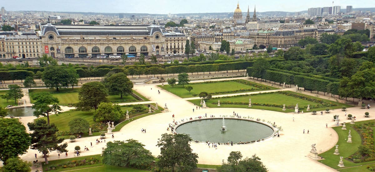 best parks and gardens in paris guide to backpacking through europe the savvy backpacker. Black Bedroom Furniture Sets. Home Design Ideas