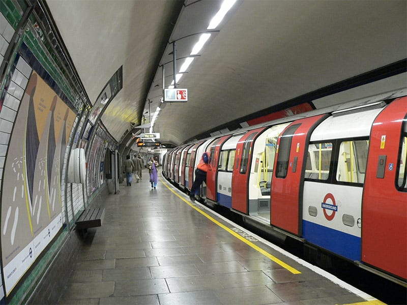 This image has an empty alt attribute; its file name is london-tube.jpg