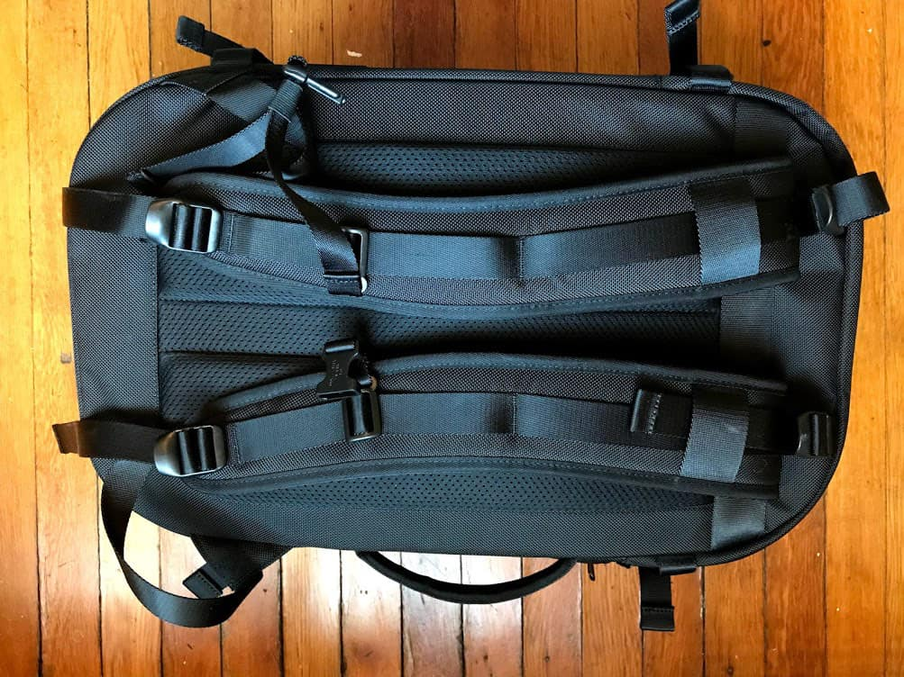 Aer Travel Pack Review - Straps