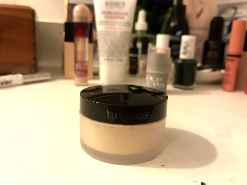travel beauty - setting powder
