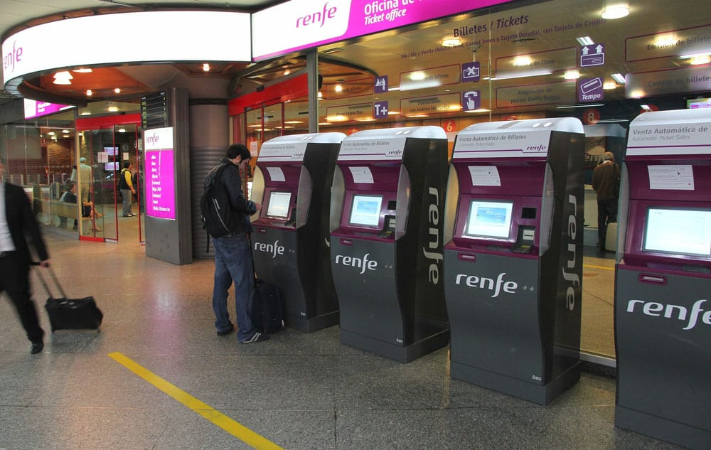 Spain train - ticket machines