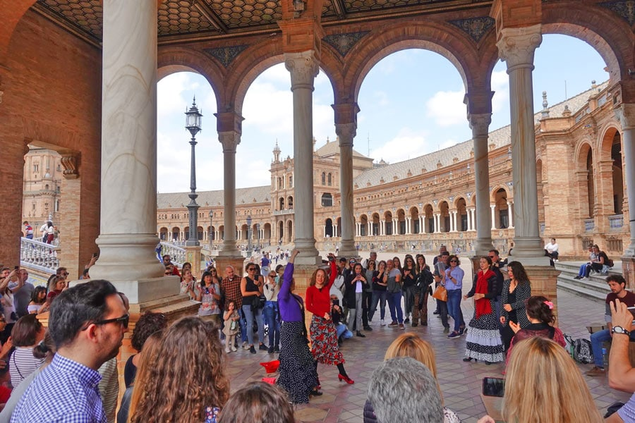 Travel Europe On A Budget - Tourist Scams