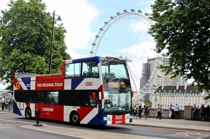 This image has an empty alt attribute; its file name is london-travel-guide-bus-tour.jpg